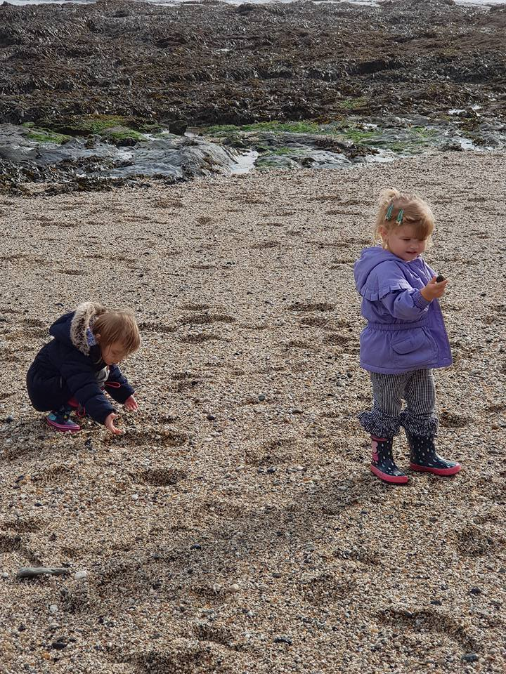 Helping each other find pebbles